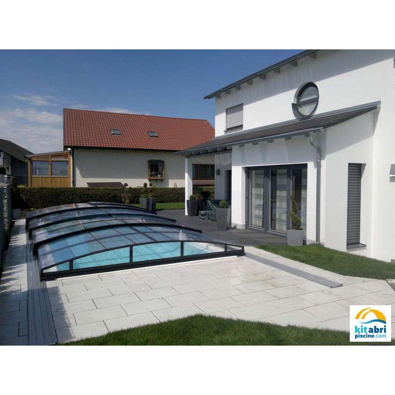 Abri de piscine bas climat clair abri de piscine bas for Piscine 4x8