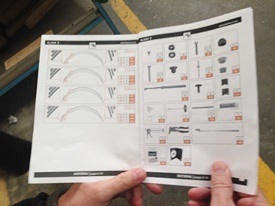 Notice détaillant le montage d'un abri de piscine en kit