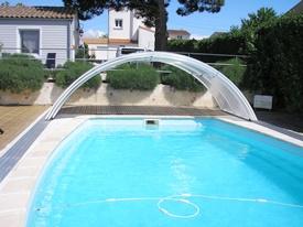 Montage du module de l'abri de piscine en kit